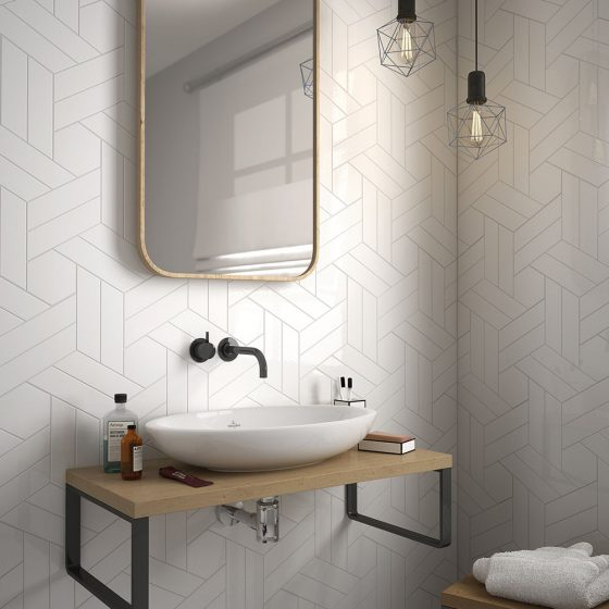 Chevron Wall White / Scale Hexagon White